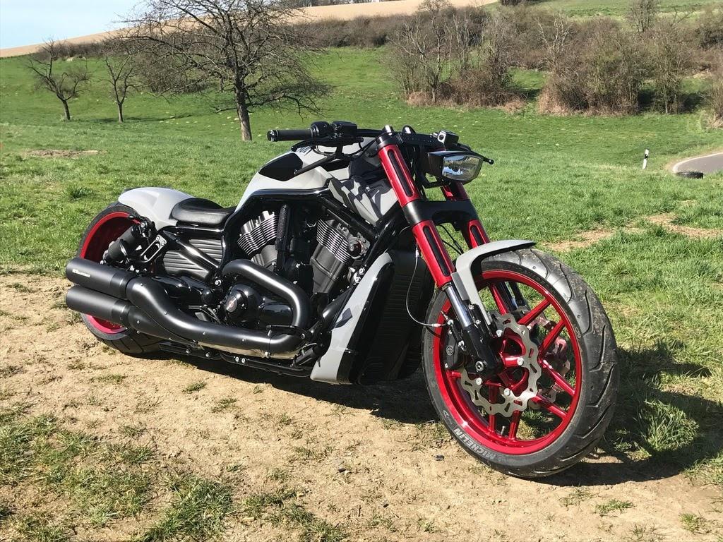 "Harley Davidson V Rod ""Nardo&Candy"" by 69Customs"
