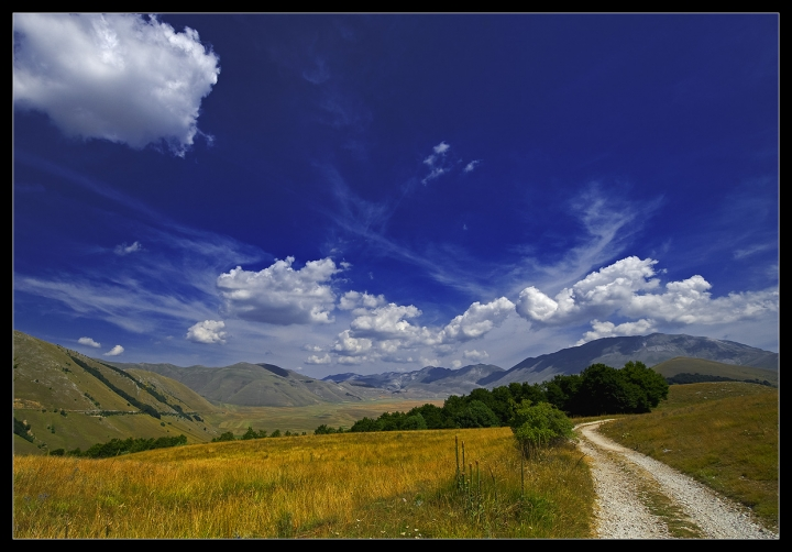 Blue Sky di Andrea Tartaglini