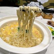 L17. Braised E-Fu Noodles in Soup 鴻圖窩伊麵