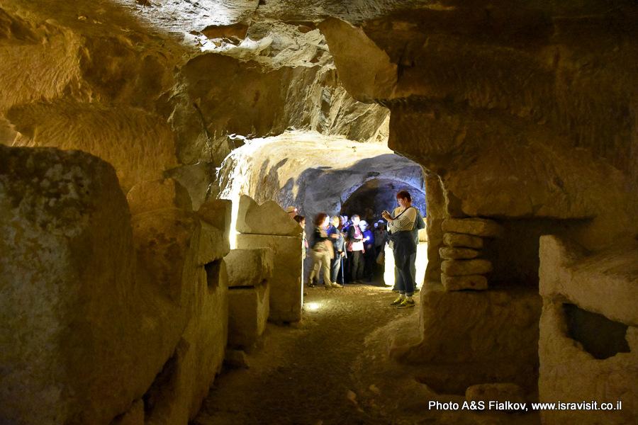Экскурсия в пещере в Бейт Шеарим. Гид в Израиле Светлана Фиалкова.