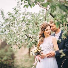 Wedding photographer Boris Yakhovich (borees). Photo of 27.11.2017
