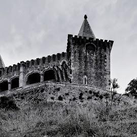 Castelo de Porto de Mós by Jorge Orfão - Buildings & Architecture Statues & Monuments