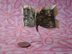 Photo: Model: Butterfly;  Creator: Jodi Fukumoto;  Folder: William Sattler;  1 dollar;  Publication: The Guide To American Money Folds (Jodi Fukumoto) ISBN 0-93154-870-5