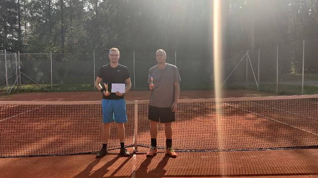 Finalistit Simeon Hannonen ja Juhani Lehtonen.