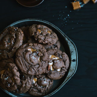 Double Chocolate Cookies With Pecans And Caramel