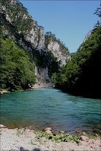 Photo: A Draga-szurdok torkolata a Taraba. (A Draga vize nem látható, csak a hordaléka.)
