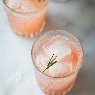 Grapefruit Rosemary Spritzer