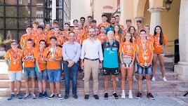 Foto de familia en el Ayuntamiento de Almería.