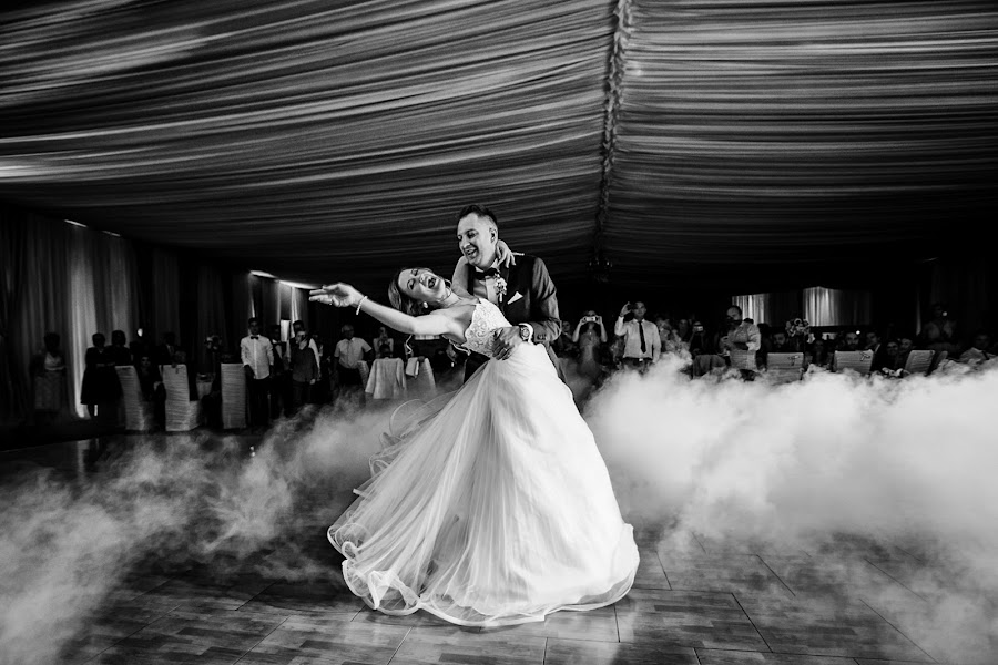 Wedding photographer Sabina Mladin (sabina). Photo of 10.02.2018