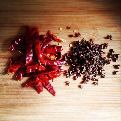 Asian, chinese, thai, indonesian, Chili sauce, Hot Oil, hot Sauce, chili oil, recipe, sichuan pepper,  辣椒醬, 辣油