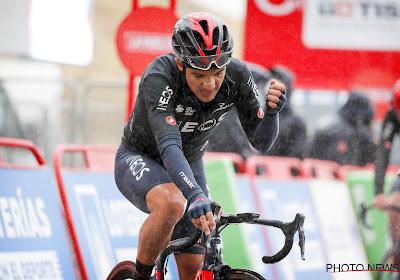 """Richard Carapaz tevreden na overwinning: """"Ik wilde voor het klassement gaan, maar ook de etappe winnen"""""""