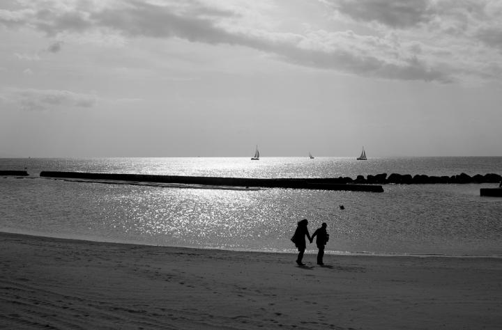 Passeggiando in riva al mare di gianni87