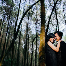 Wedding photographer Fitra Sujawoto (fitrasujawoto). Photo of 06.02.2015