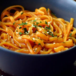 One-Pot Kung Pao Noodles [Vegan, Gluten-Free].