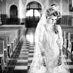 Corpse bride by Dainius Ščiuka - People Fashion
