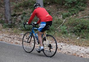 cycliste-dans-le-col-de-propiac