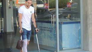 Juan Ibiza, saliendo el Estadio de los Juegos Mediterráneos.