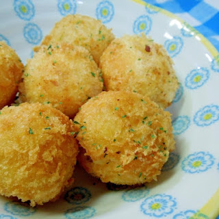 Round Potato Croquettes with Cheese