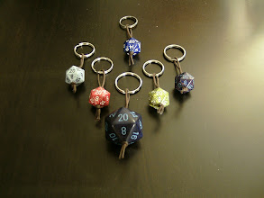 Photo: D20 Keychains