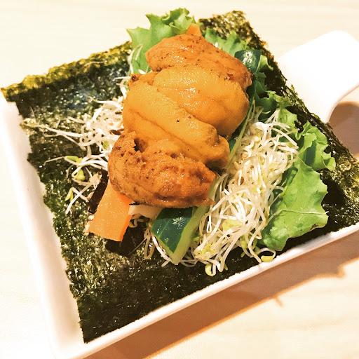 北海道馬糞海膽手捲 鮮甜、海膽在口中溫度下自然化開 非常好吃😋😋😋