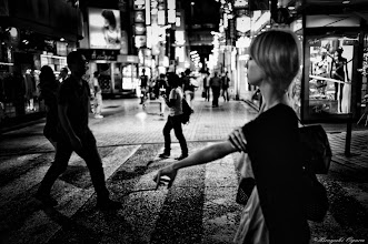 Photo: 手の上の綱渡り師 Tightrope Dancer on the hand  Tokyo Street Shooting  Location; #Shinjuku , #Tokyo , #Japan   #photo #photography #streetphotography #streettogs