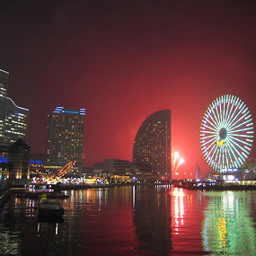 Fireworks on the water.... by Jacob Uriel - City,  Street & Park  Skylines ( water, red, japan, wheel, fireworks )