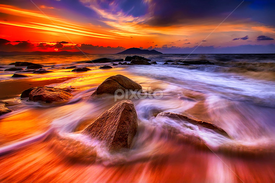 Waves and rocks at sunset by Dany Fachry - Landscapes Beaches (  )