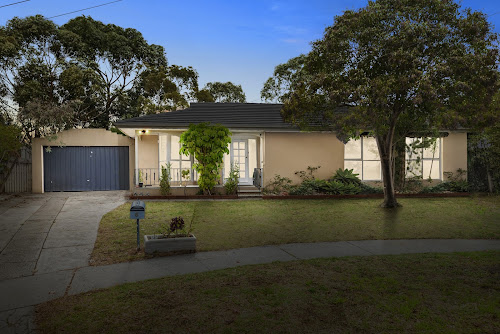 Photo of property at 6 Arkwright Court, Noble Park North 3174