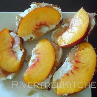 Peach-Prosciutto Crostini