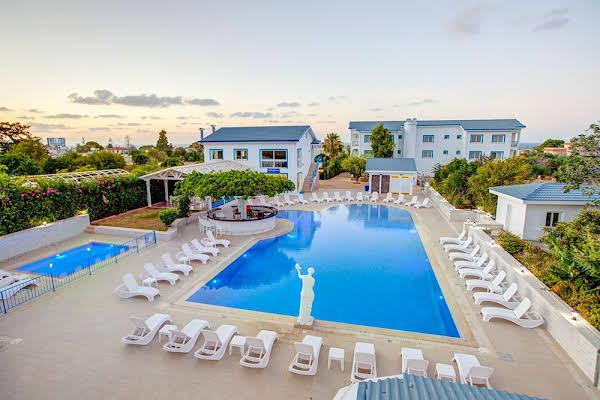 Queen Aphrodite Hotel