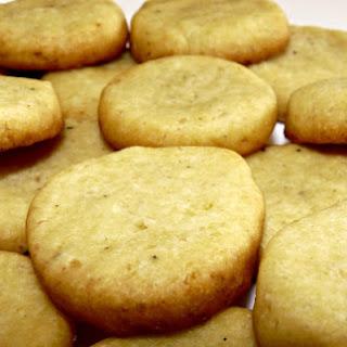 Vegan Cheesy Biscuits