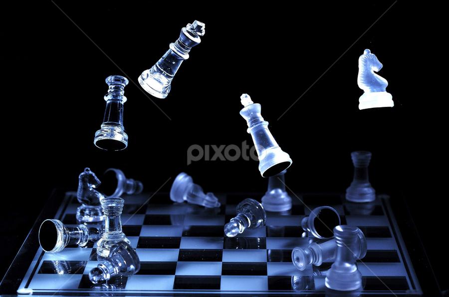 Chess by Vineet Johri - Artistic Objects Still Life ( vkumar, pwcstilllife-dq, chess, floating, reflections, bokeh,  )
