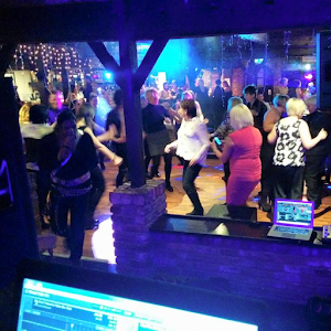 Mobile Disco DJ Hire In Bracknell | DJ CJ Disco
