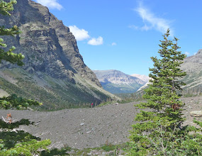 Photo: Heading out, the trail crosses a moraine. An end moraine is a ridge of rocks deposited at the end of a glacier.