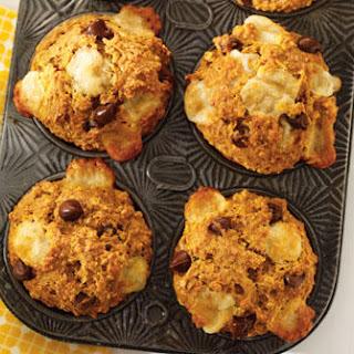 Pumpkin, chocolate and Cheddar muffins