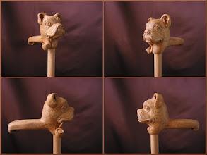 Photo: Bastón boxer. Talla en madera. Woodcarving.    Para leer algo más en relación con esta obra ir al blog: http://tallaenmadera-woodcarving-esculturas.blogspot.com/2009/04/tres-nuevos-bastones-gallo-perro-boxer.html