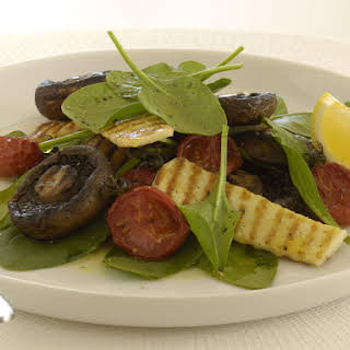 Mushrooms with Halloumi, Tomatoes and Spinach.