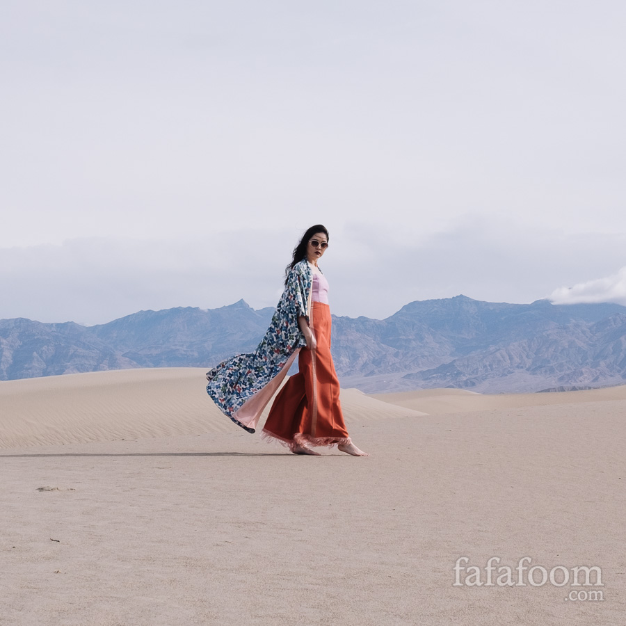 Modern Styling: Japanese Kimono at Mesquite Sand Dunes, Death Valley National Park - Style Notes | fafafoom.com