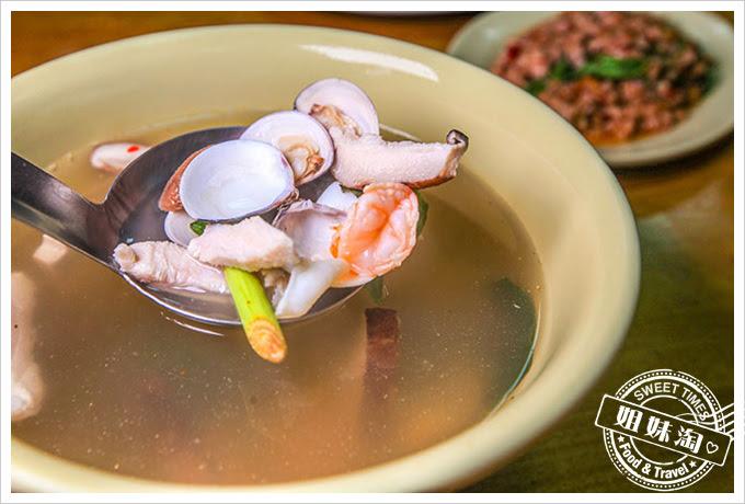 泰式現炒小吃酸辣海鮮湯