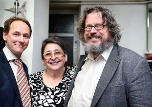 Photo: VERNISSAGE FOTOAUSSTELLUNG WERNER KAUFMANN am 12.4.2016. Werner Kaufmann,  Esther Hatzi, Univ.Prof. Dr. Peter Reichl. Copyright: Barbara Zeininger