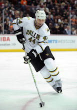Photo: ANAHEIM, CA - OCTOBER 21:  Sheldon Souray #44 of the Dallas Stars controls a puck against the Anaheim Ducks at Honda Center on October 21, 2011 in Anaheim, California.  (Photo by Harry How/Getty Images) *** Local Caption *** Sheldon Souray