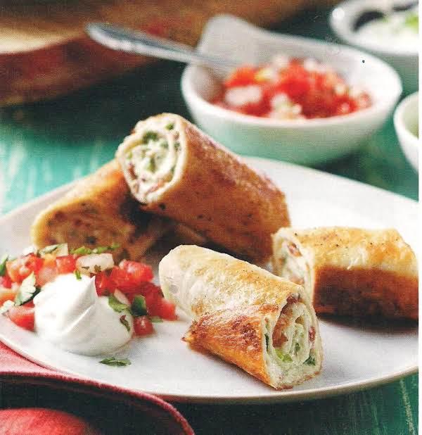 Cheesy Bacon Jalapeno Roll Ups
