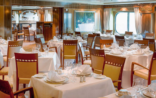 QM2-Britannia-Club-Restaurant.jpg - The Britannia Club Restaurant, a private area of the Britannia Restaurant on Queen Mary 2, offers you the freedom to choose when you eat each evening.