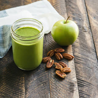 It Only Takes 5 Minutes To Make This Healthy Green Apple Smoothie.