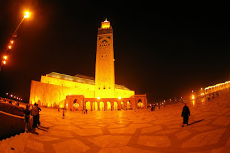 Photo: Grande Mosquée juste au bord de l'océan