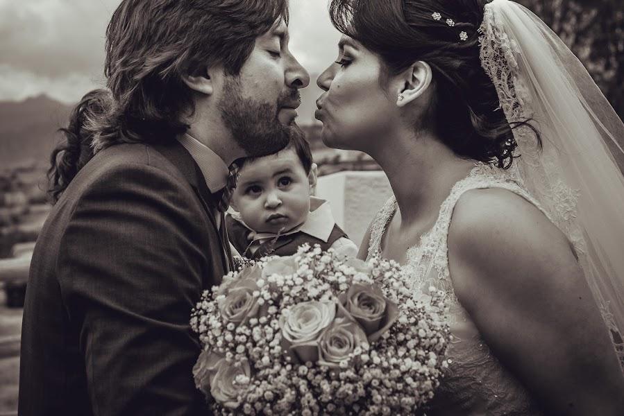 Wedding photographer Valery Garnica (focusmilebodas2). Photo of 24.09.2017