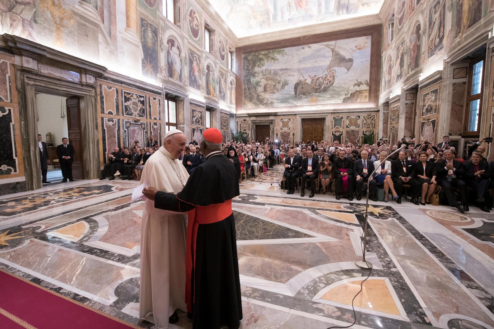 Đức Thánh Cha nói về việc Cứu Trái đất: Chúng ta hãy suy nghĩ về những chỉ thị của Chúa cho Thánh Phanxico Assisi 'Hãy đi và Sửa chữa lại Nhà của Ta'