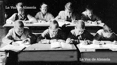 Alumnos  de la escuela Graduada de la calle Arráez en los años cincuenta. Eran los años de los pupitres de madera con su agujero para la tinta.