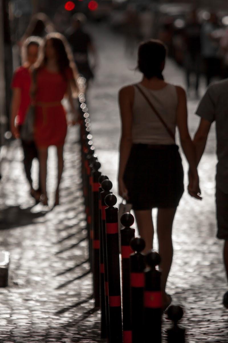 Women in red di Andrea Calò