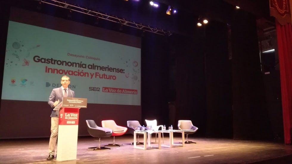 El alcalde de Almería ha cerrado el encuentro.